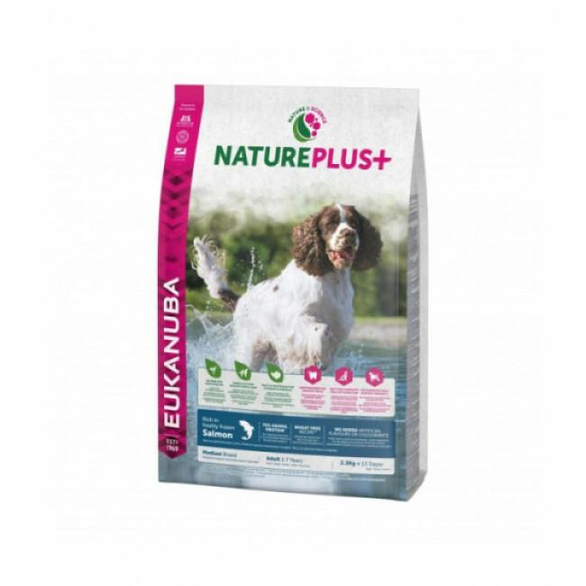 Croquettes pour chien adulte de moyenne race Eukanuba Natureplus saumon