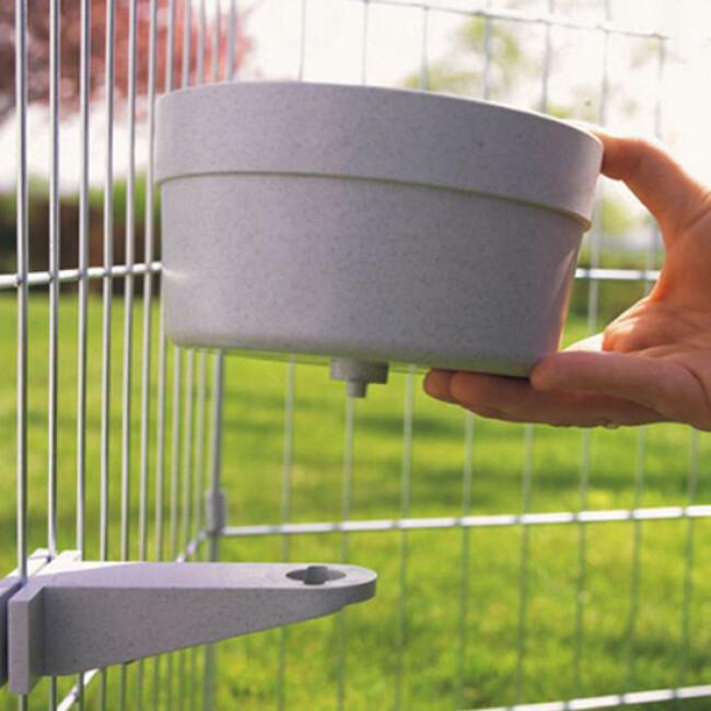 Ecuelle de cage et parc avec support plastique